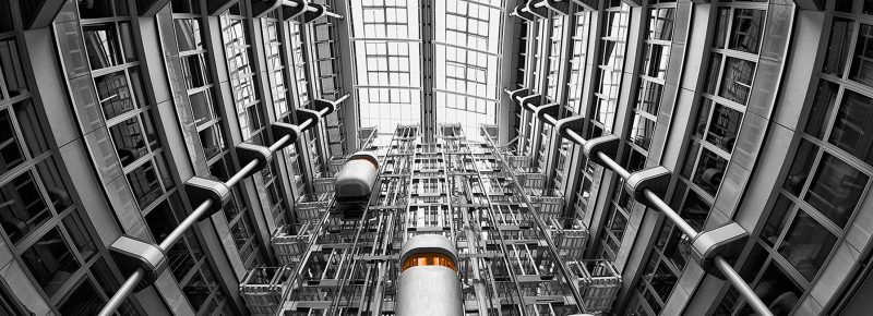 در صد سال اخیر بناهای بلند نیازمند توسعه در حمل و نقل عمودی داشته اند. پیشرفت در حمل و نقل عمودی..